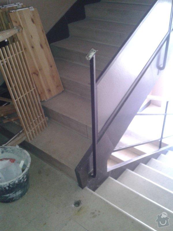 Výrobu nového kovového madla k zábradlí v činžovním domě: 20140417_161224
