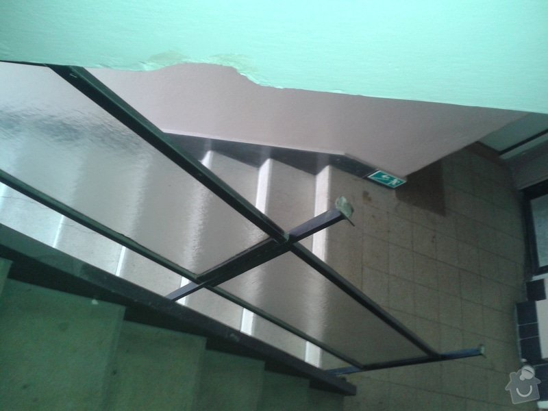 Výrobu nového kovového madla k zábradlí v činžovním domě: 20140417_161256
