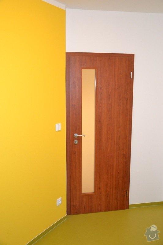 Podlaha, dveře, kuchyňská linka, vestvěná skříň: Darbujan_4