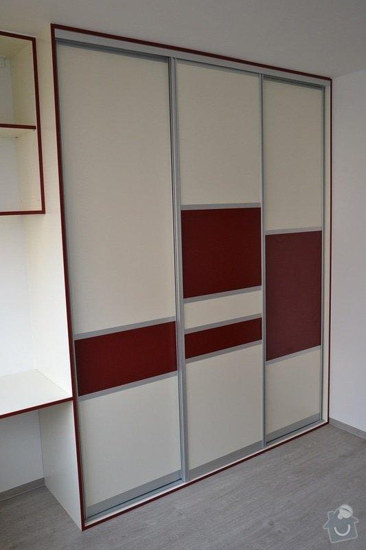 Podlaha, dveře, kuchyňská linka, vestvěná skříň: Darbujan_9