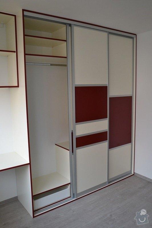 Podlaha, dveře, kuchyňská linka, vestvěná skříň: Darbujan_10