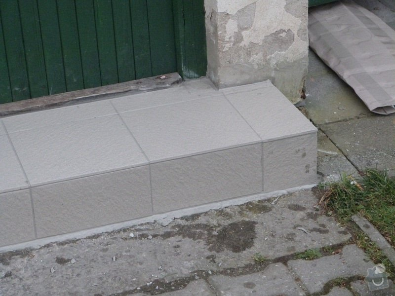 Obložení schodu: P1050296