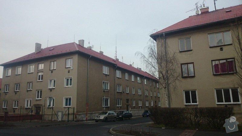 Rekonstrukce střechy,postavení lehkého plotu,postavení zdí z KB bloku,dlažba: DSC_0064
