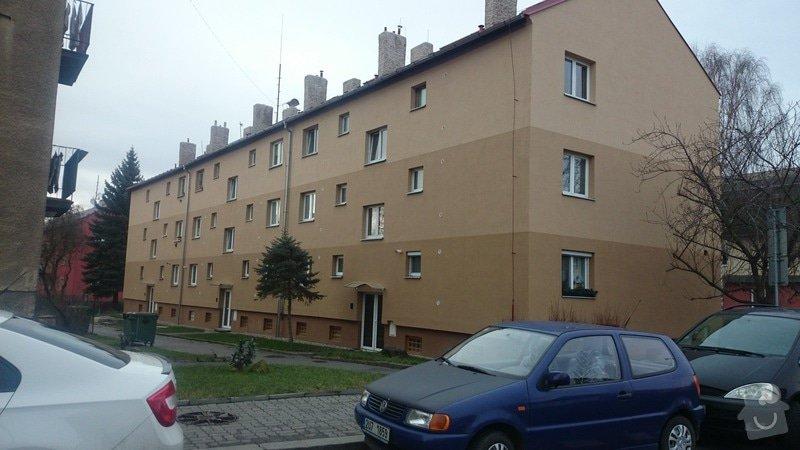 Rekonstrukce střechy,oprava fasády,výměna vchodových dveří,drenáž okolo domu: DSC_0094