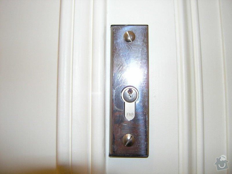 Zámečník pro výměnu vložky a kování (dveře do bytu): P5011783