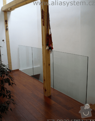 Skleněné zábradlí schodiště : zabradlireference
