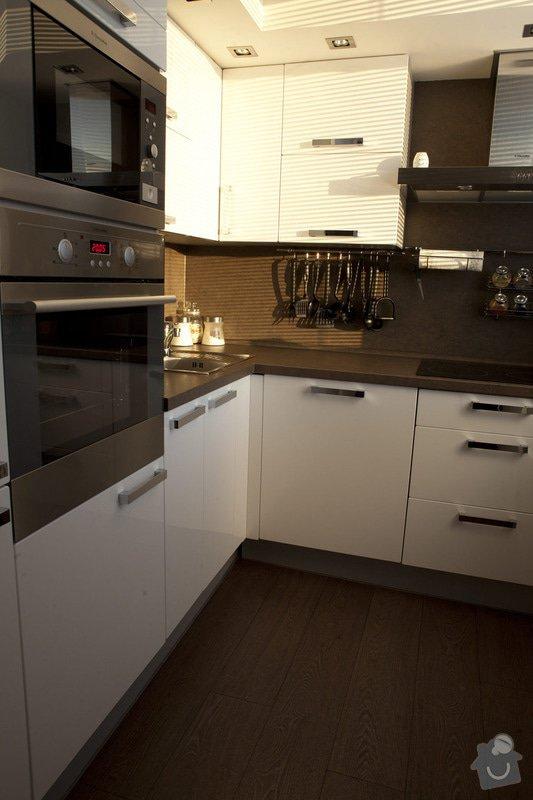 Výroba kuchyňské linky: 04_kuchyn_02panelak.jpg_1_