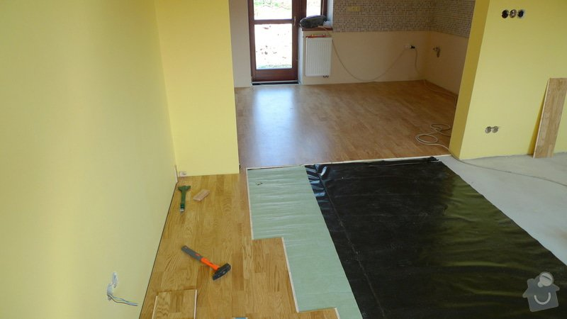 Pokládka dřevěné podlahy Barlinek Brno 120m2 / dub 3 lamela 5G zámek.: P1020269