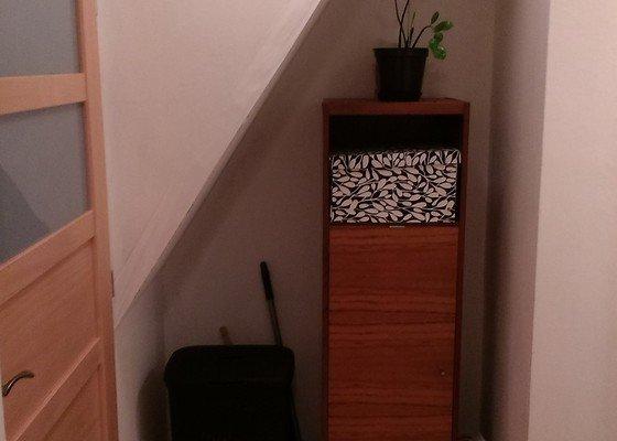 Skříň pod schody na míru a (nebo) dětská postýlka