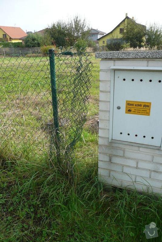 Drátěný plot 160 cm, asi 130 m: pozemek2
