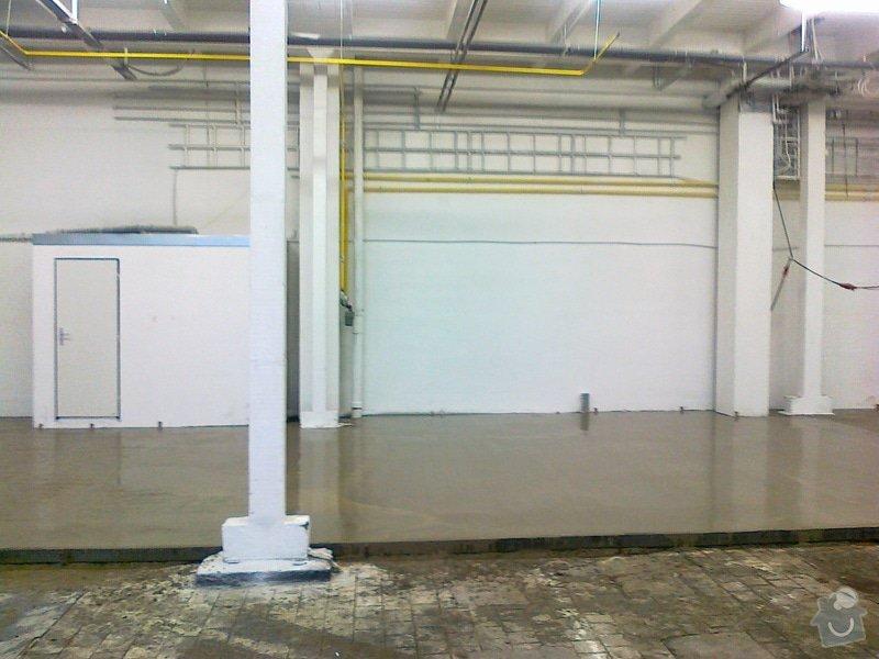 Betonáž podlahy v hale, panelové plochy: 070120151051