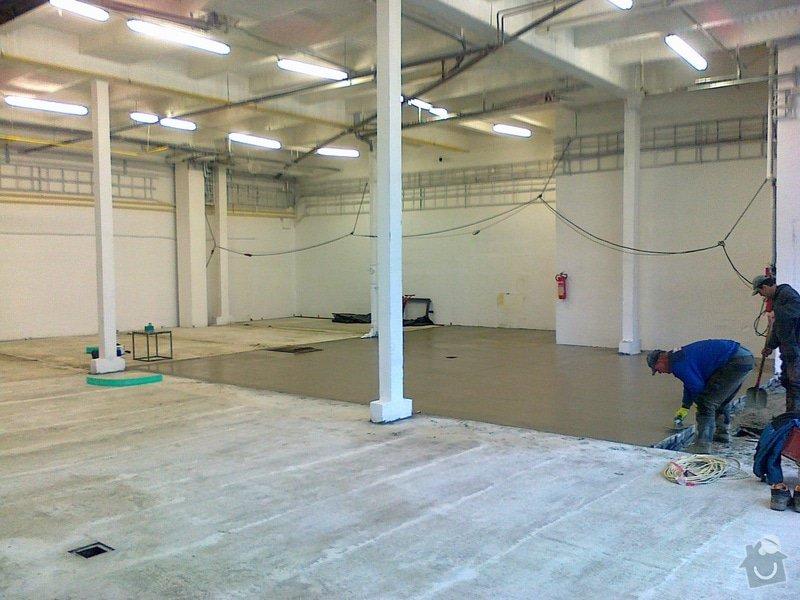 Betonáž podlahy v hale, panelové plochy: 090120151054