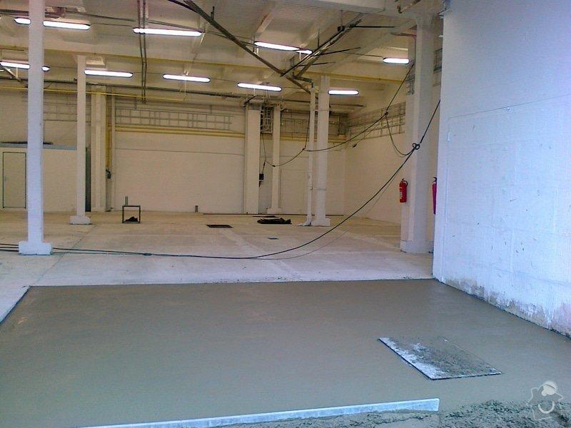Betonáž podlahy v hale, panelové plochy: 120120151059