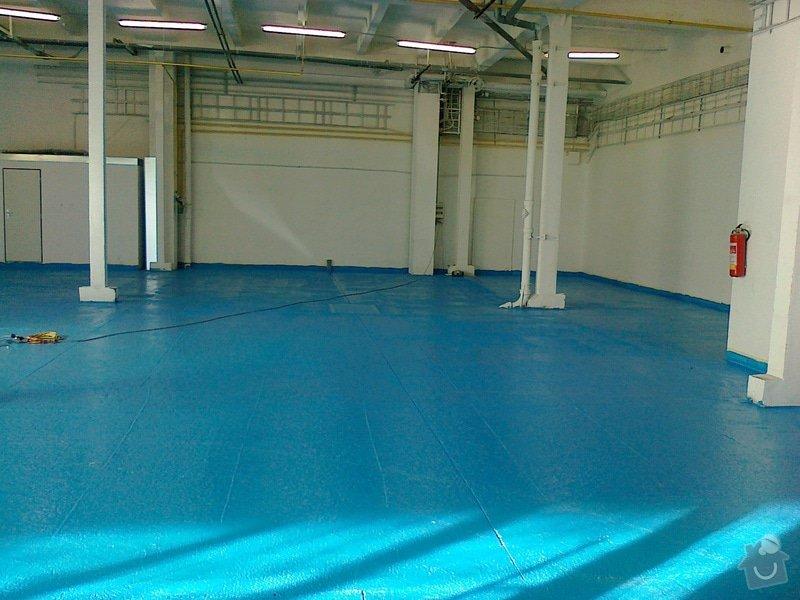 Betonáž podlahy v hale, panelové plochy: 280120151074