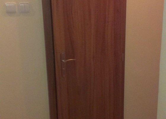 Dodávka a montáž vnitřních dveří  a obkladu ocelových zárubní-Praha 4