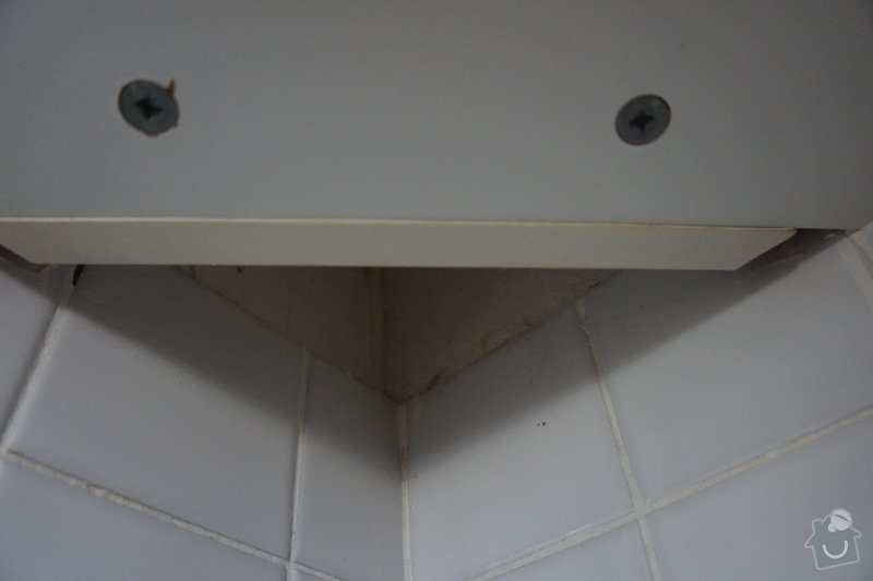 Obklad za kuchyňskou linku + osvětlení + vestavba myčky: DSC08053