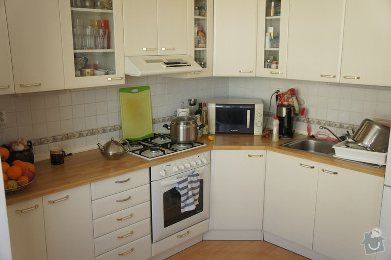 Obklad za kuchyňskou linku + osvětlení + vestavba myčky: DSC08048