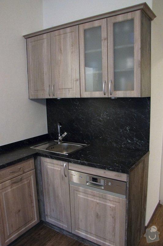 Výroba kuchyně - skříňky, police, pracovní deska: IMG_3224