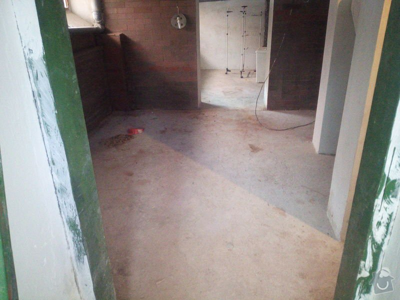 Pokladka koberce na schody do sklepa a ve sklepe: IMG_20150203_103741
