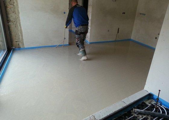 10/2014 RD Blažovice, anhydritová podlaha 132 m2