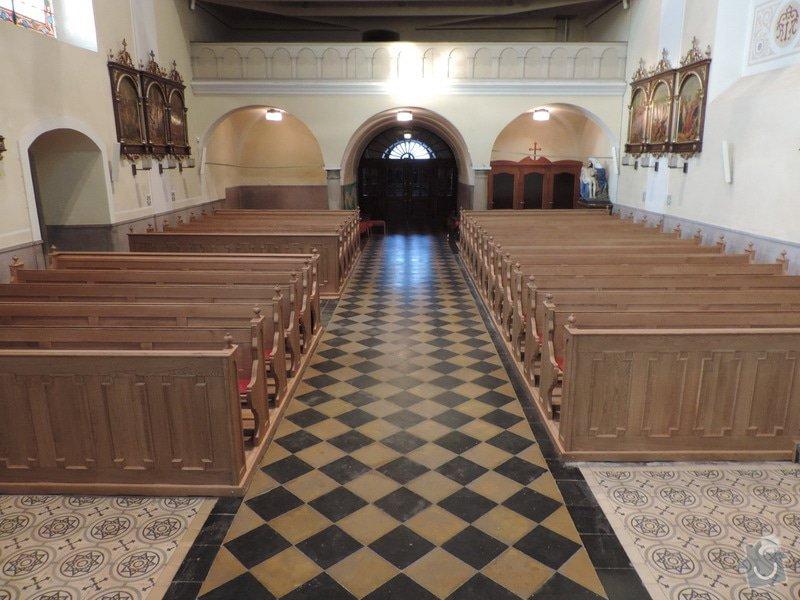 Výroba a montáž kostelních lavic: Nove_lavice-celni_pohled