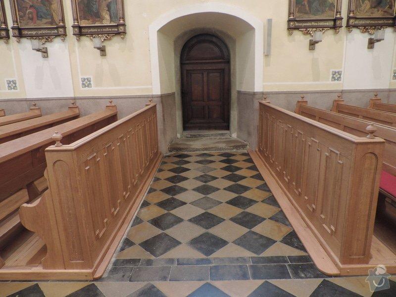 Výroba a montáž kostelních lavic: Nove_lavice_-_bocni_vchod