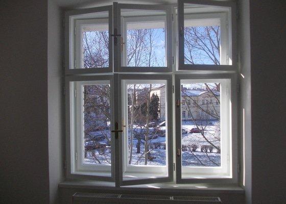 Lakování a tmelení oken a dveří