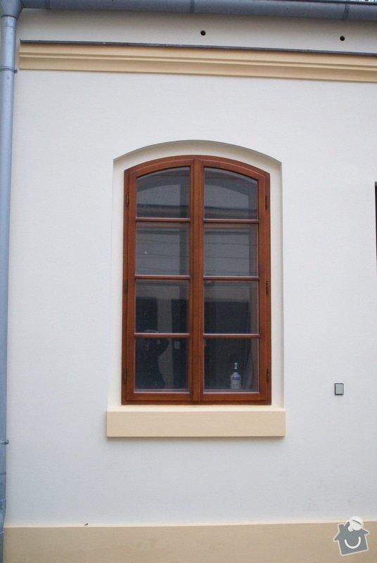 Vyčištění štukové výzdoby a výmalba + fasáda objektu knihovny : fasada-objektu-knihovny_DSC01100