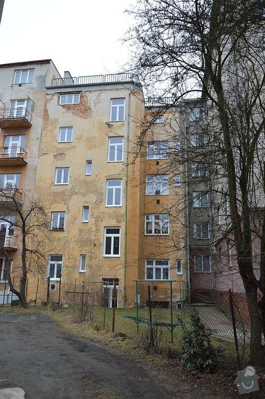 Poptávám zhotovení fasádní omítky na činžovní dům v Plzni: DSC_0001-m
