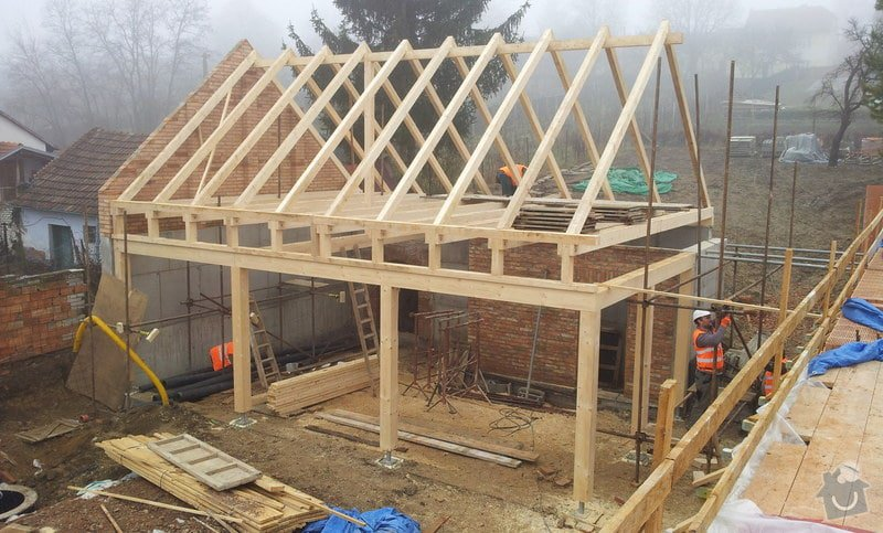 Novostavba střechy chráněného bydlení Brumovice: 20140218_111522-001