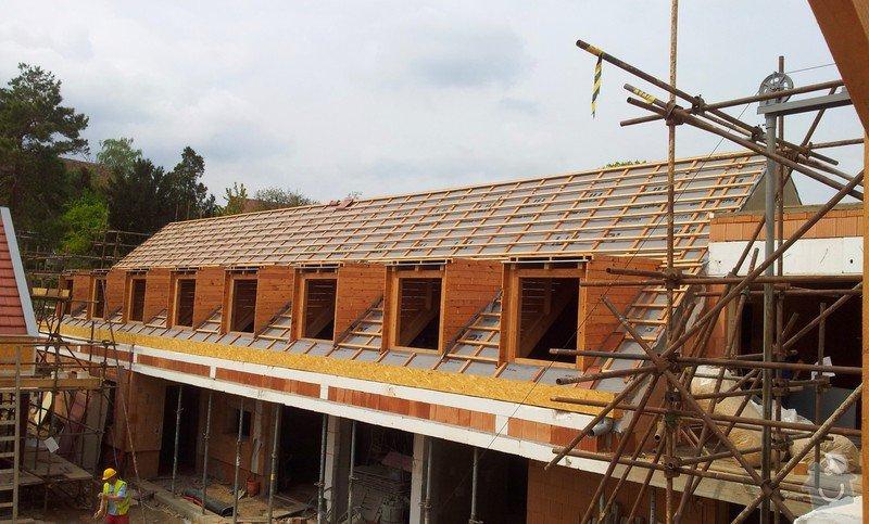 Novostavba střechy chráněného bydlení Brumovice: 20140425_141124