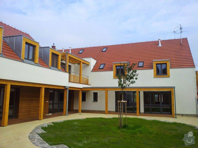 Novostavba střechy chráněného bydlení Brumovice: 20141015_140934