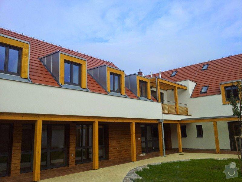 Novostavba střechy chráněného bydlení Brumovice: 20141015_140939