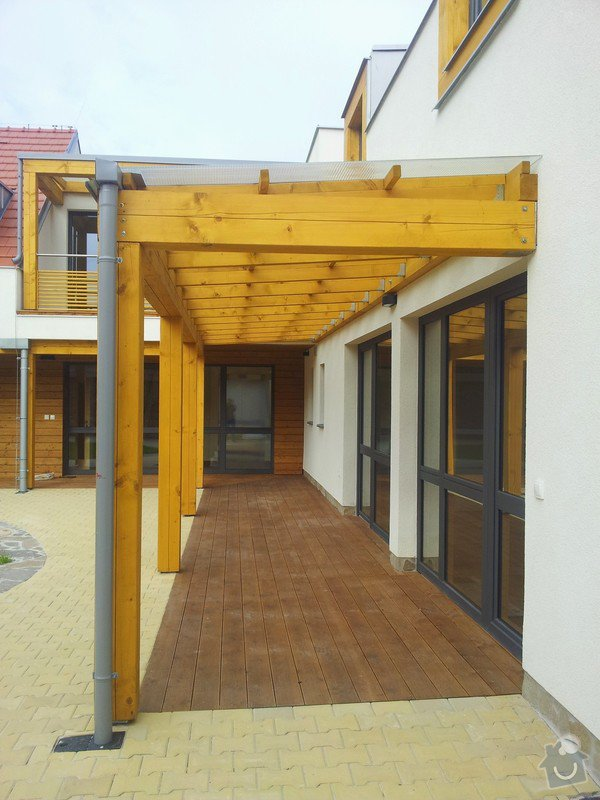 Novostavba střechy chráněného bydlení Brumovice: 20141015_140845
