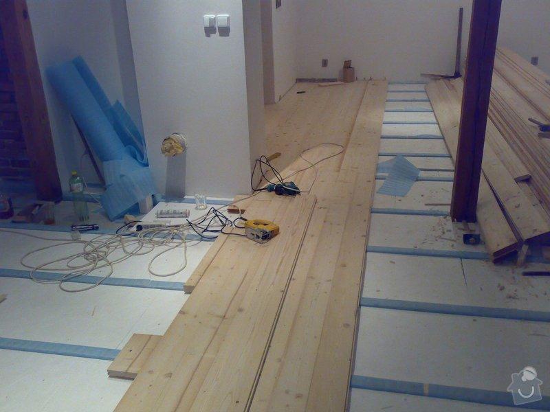 Masivní smrková podlaha v podkroví: 180120103622