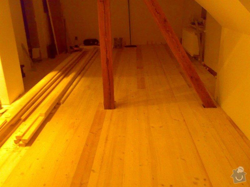 Masivní smrková podlaha v podkroví: 220120103652