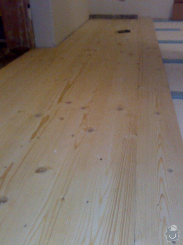 Masivní smrková podlaha v podkroví: 170120103621