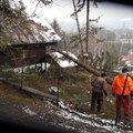 Oprava strechy po padu stromu na chate ve frydlante nad ostra sdc13115
