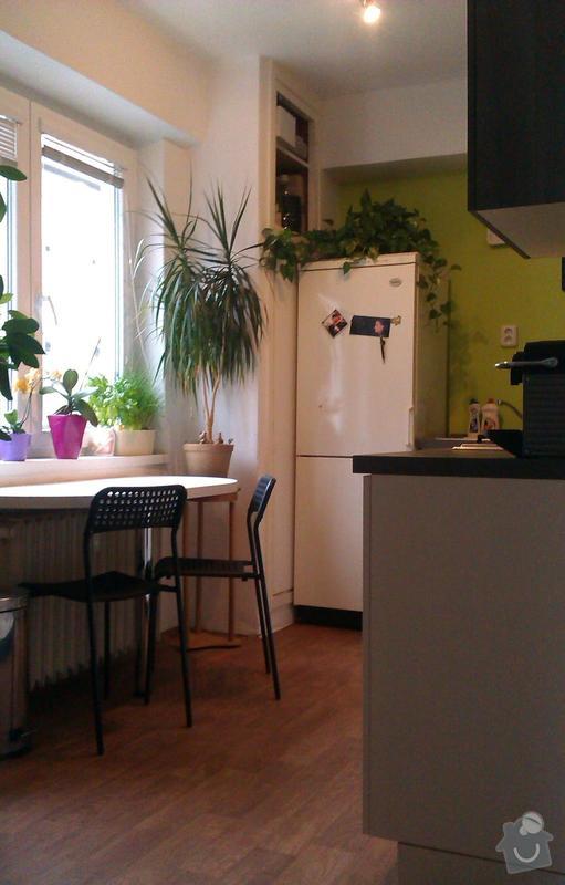 Podlahářské práce - pokládka lina ve dvou pokojích a renovace parket v 1 pokoji: Kuchyn_1