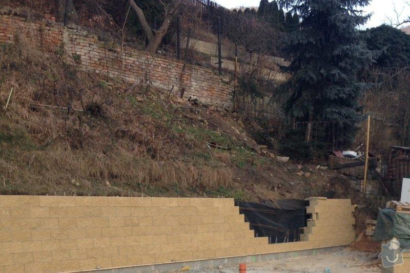 Výstavba schodiště mezi dvěma pozemky ve stráni: image_1_