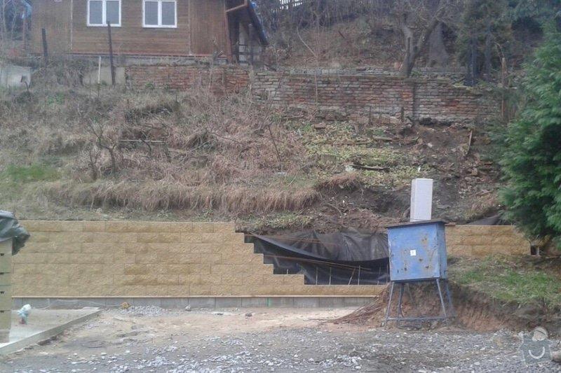 Výstavba schodiště mezi dvěma pozemky ve stráni: image_3_