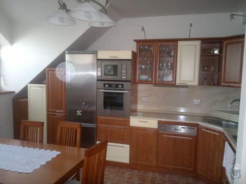 Bílení podkrovního bytu 68 m2 v ČB: kuchyn_1