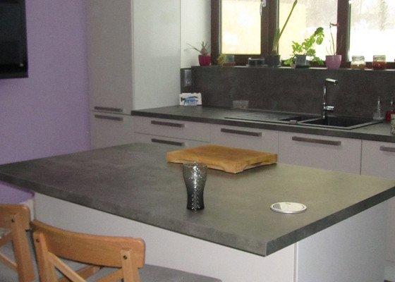 Kuchyně, obývací pokoj, vestavěné skříně