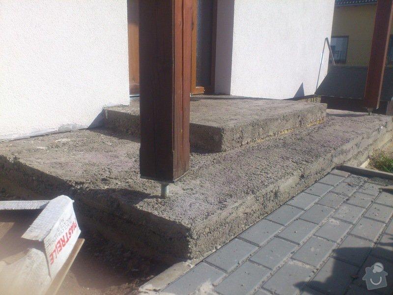 Blažby vnějších schodišť, obložení krbu: 2