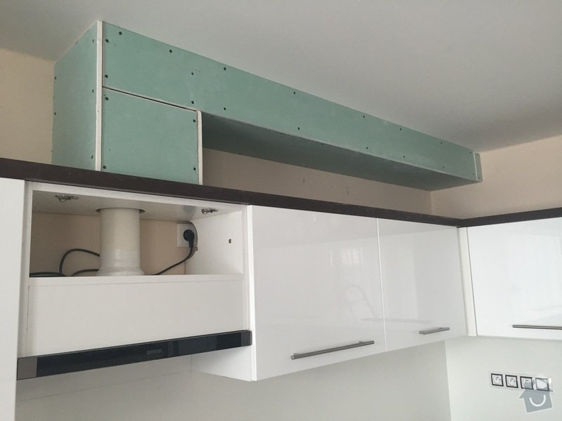 Dokončení odtahu vzduchu z digestoře: IMG_0246