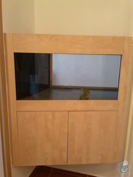 Výřez do vestavěného terária: terarium