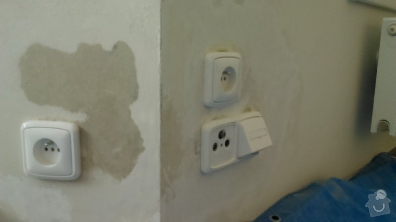 Zasekání 2 zásuvek přes roh na jinou stěnu: DSC_0135_1_