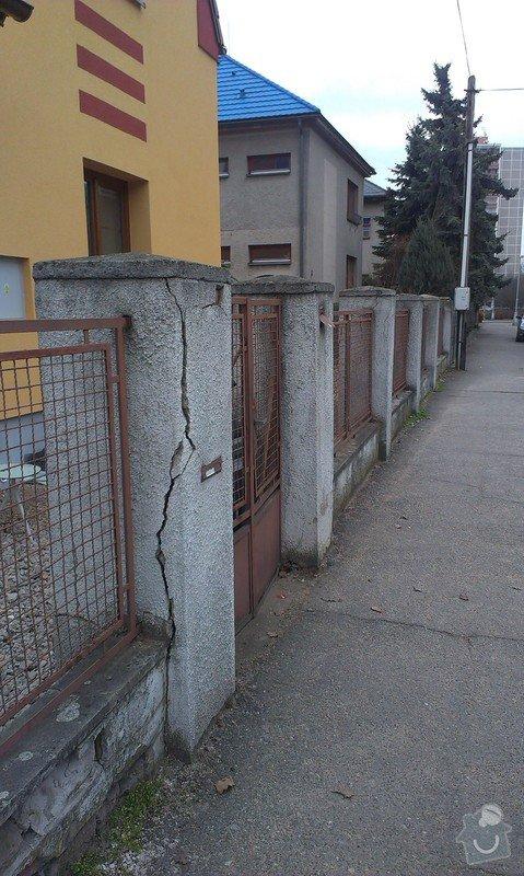 Stavba plotu: 013