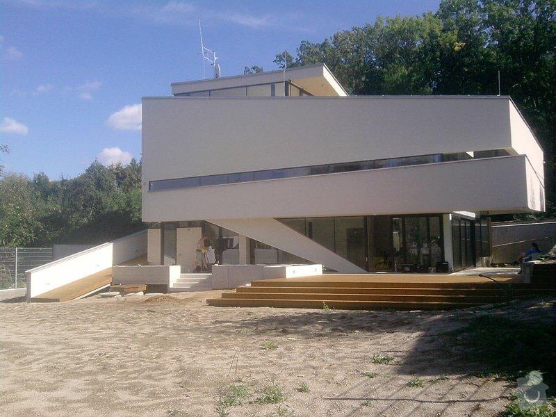 Montáž dřevěné terasy: P140913_14.22__01_