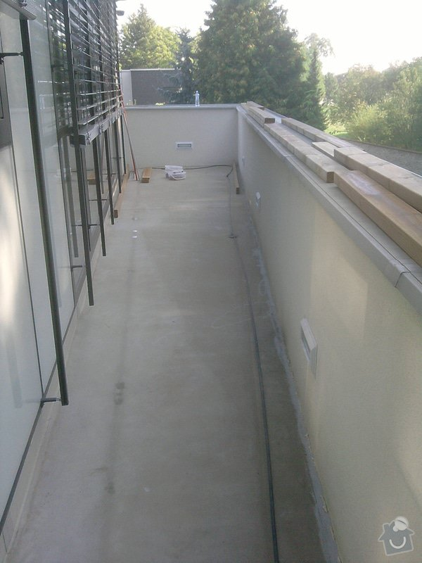 Montáž dřevěné terasy: P050913_09.47